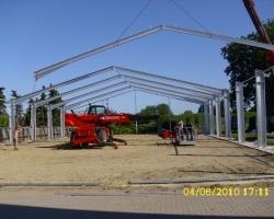 Bau der Reitplatzüberdachung
